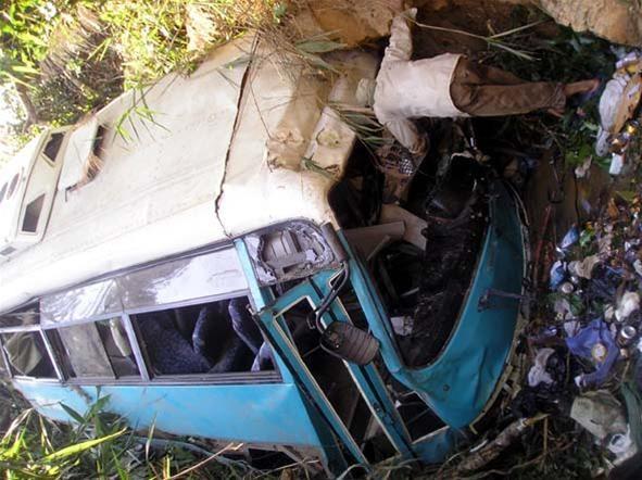 Tường trình trực tiếp từ hiện trường : Tai nạn thảm khốc tại Kon Tum, 31 cựu chiến binh tử nạn ảnh 1