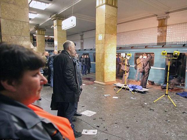 Chùm ảnh khủng bố kép trong tàu điện ngầm Matxcơva ảnh 1