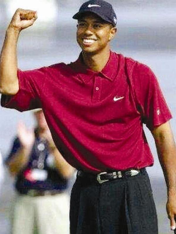 Sự hồi sinh sáng chói của Tiger Woods ảnh 1
