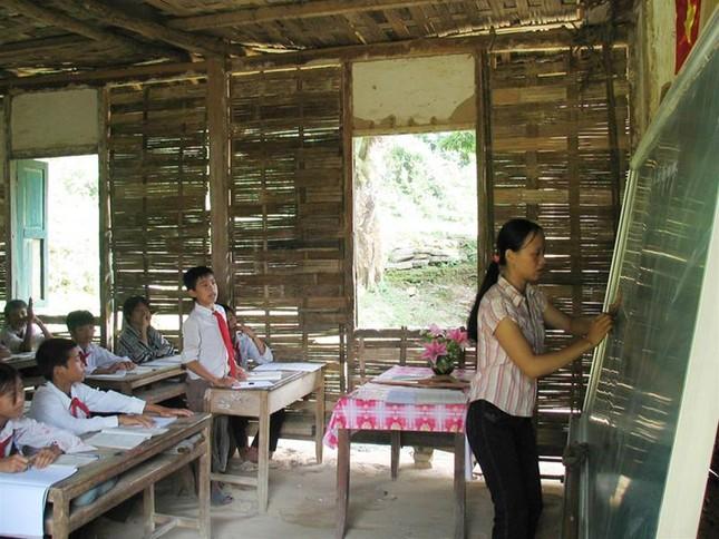 Giáo viên ở Than Uyên, Lai Châu : Quà Tết là ổ chó con ảnh 1