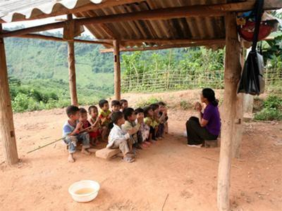 Giáo viên ở Than Uyên, Lai Châu : Quà Tết là ổ chó con ảnh 2