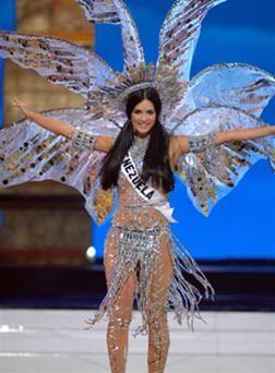 Hoa hậu Venezuelađứngđầubình chọnqua mạng ảnh 3