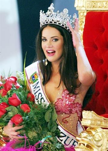 Hoa hậu Venezuelađứngđầubình chọnqua mạng ảnh 1