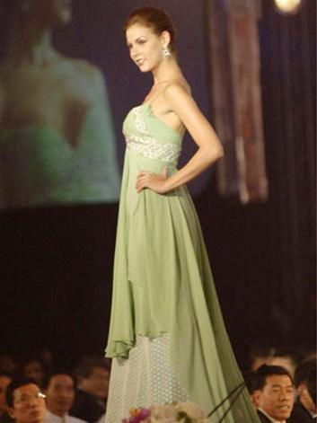 15 người đẹpbiểu diễn thời trang tại Bangkok ảnh 1