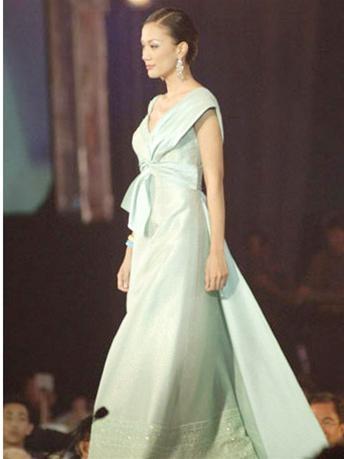 15 người đẹpbiểu diễn thời trang tại Bangkok ảnh 2