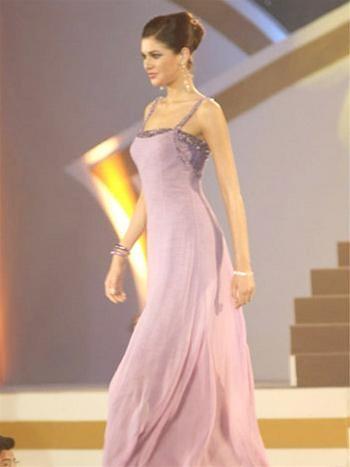 15 người đẹpbiểu diễn thời trang tại Bangkok ảnh 4