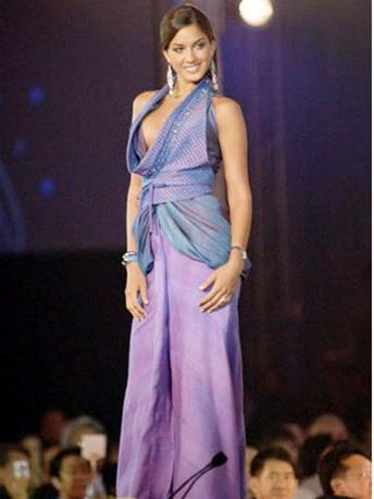 15 người đẹpbiểu diễn thời trang tại Bangkok ảnh 6