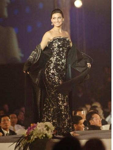 15 người đẹpbiểu diễn thời trang tại Bangkok ảnh 9