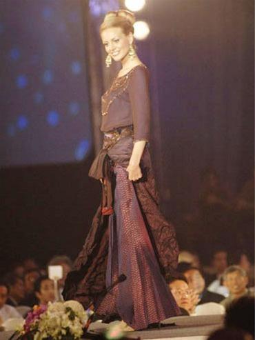 15 người đẹpbiểu diễn thời trang tại Bangkok ảnh 13
