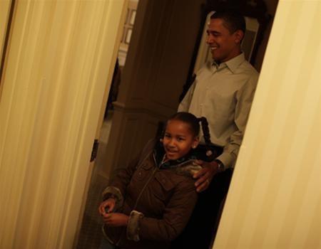 Hai con gái Obama nhập học ở Washington ảnh 3