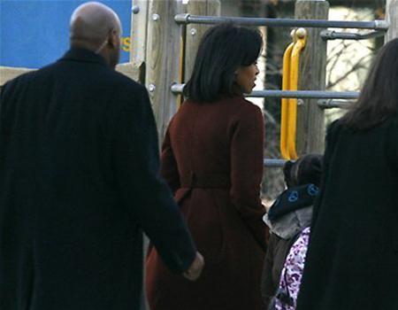 Hai con gái Obama nhập học ở Washington ảnh 4