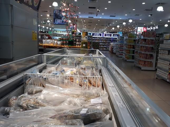 Dồi dào lương thực, thực phẩm ở siêu thị trước giờ cách ly toàn xã hội ảnh 4