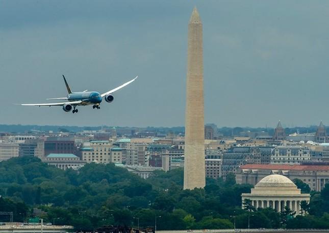 'Màn biểu diễn' của máy bay hiện đại nhất Vietnam Airlines Boeing 787-9 ảnh 3