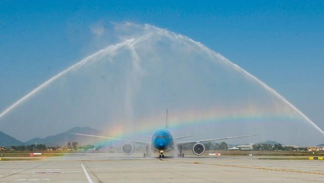 'Màn biểu diễn' của máy bay hiện đại nhất Vietnam Airlines Boeing 787-9 ảnh 8