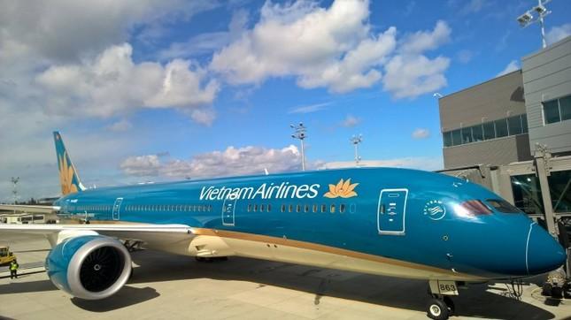 'Màn biểu diễn' của máy bay hiện đại nhất Vietnam Airlines Boeing 787-9 ảnh 9