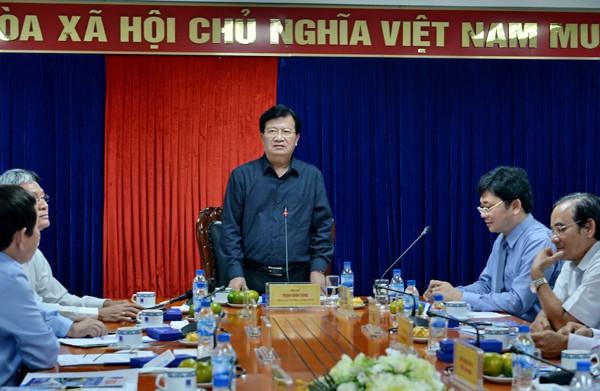 PTT Trịnh Đình Dũng: Lọc dầu Dung Quất là quả tạ của kinh tế Quảng Ngãi ảnh 2
