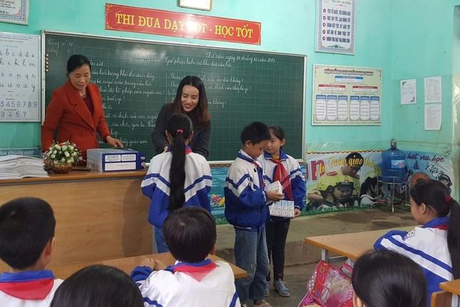 Qũy Vì tầm vóc Việt tài trợ hơn 200.000 ly sữa cho học sinh nghèo Nghệ An ảnh 1