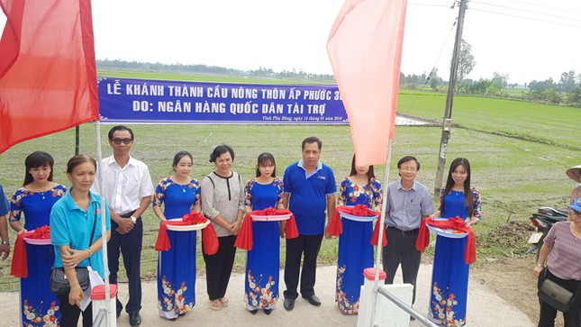 NCB trao tặng nhà, tài trợ xây cầu dân sinh tại 03 tỉnh miền Tây ảnh 1