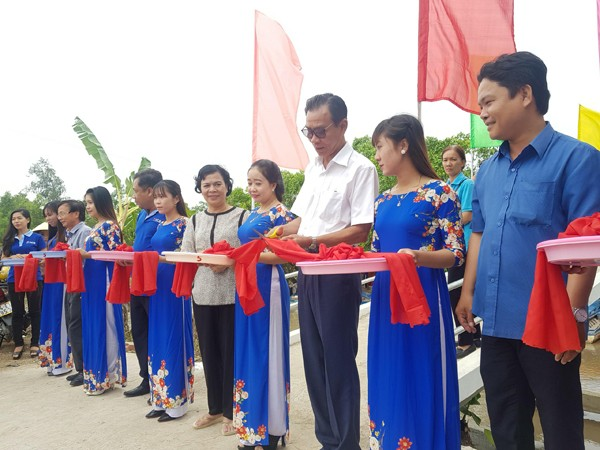 NCB trao tặng nhà, tài trợ xây cầu dân sinh tại 03 tỉnh miền Tây ảnh 4