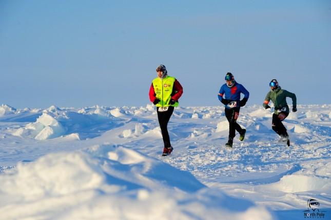 Người phụ nữ Việt Nam đầu tiên tham gia cuộc thi Marathon Bắc Cực ảnh 2