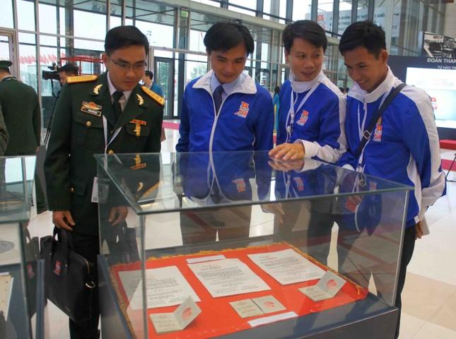 Khai mạc triển lãm ảnh tuổi trẻ Việt Nam Anh hùng ảnh 4