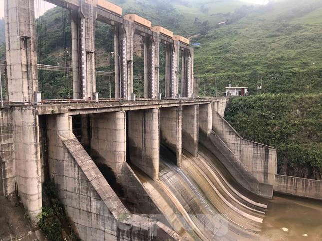 Cận cảnh dự án thủy điện nghìn tỷ xây 'chui' ở Lào Cai ảnh 5