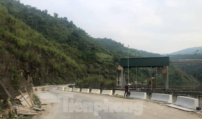 Cận cảnh dự án thủy điện nghìn tỷ xây 'chui' ở Lào Cai ảnh 8