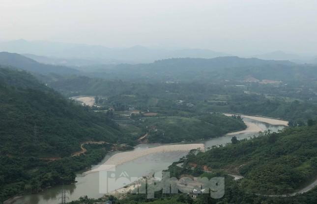 Cận cảnh dự án thủy điện nghìn tỷ xây 'chui' ở Lào Cai ảnh 1