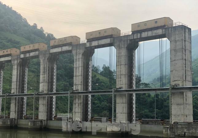 Cận cảnh dự án thủy điện nghìn tỷ xây 'chui' ở Lào Cai ảnh 3