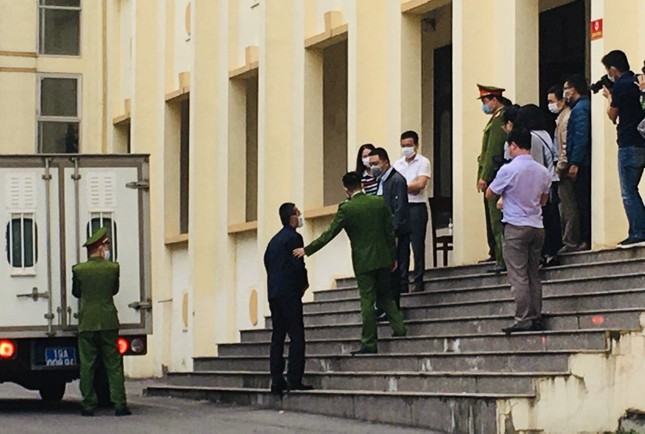 Nguyên Chánh Thanh tra Bộ TT&TT bị đề nghị mức án 15-18 tháng tù ảnh 1