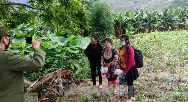Gian truân giám sát lao động từ Trung Quốc về nước qua đường mòn ảnh 8