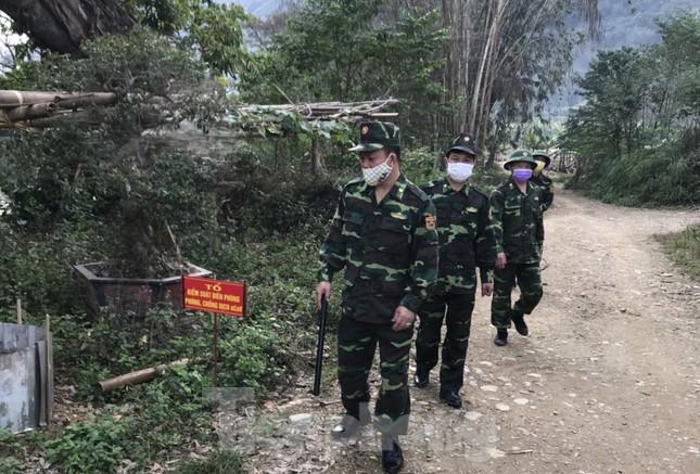 Gian truân giám sát lao động từ Trung Quốc về nước qua đường mòn ảnh 2