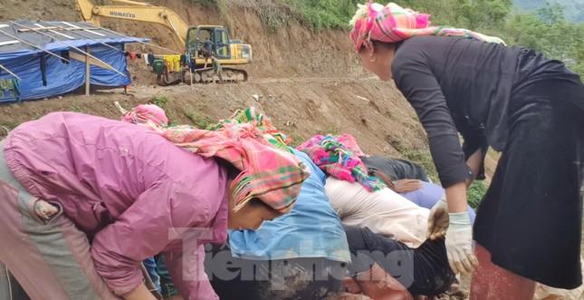 Cận cảnh công trường khai thác vàng trái phép ở 'mỏ tử thần' Minh Lương ảnh 11