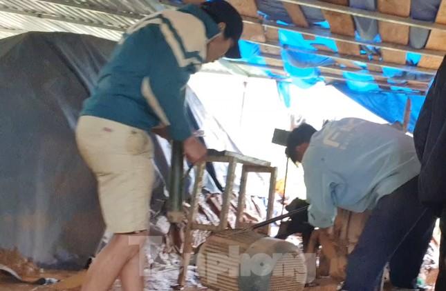 Cận cảnh công trường khai thác vàng trái phép ở 'mỏ tử thần' Minh Lương ảnh 12