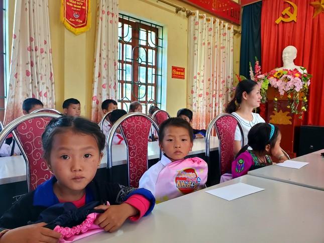 Ấm tình món quà tặng TNXP, học sinh nghèo tỉnh vùng cao Yên Bái ảnh 4