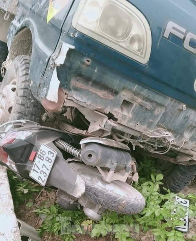 Xe tải đâm vào xe máy, 1 người tử vong ảnh 1