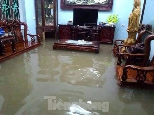 Nam Định ngập sâu, người dân 'thúc thủ' trong nhà ngày mùng 1 Tết ảnh 6