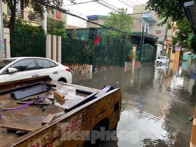 Nam Định ngập sâu, người dân 'thúc thủ' trong nhà ngày mùng 1 Tết ảnh 5