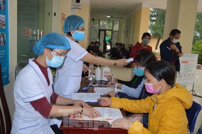 Hơn 100 sinh viên y xung phong ra tuyến đầu, Thái Bình yêu cầu người dân ở nhà 2 tuần ảnh 3