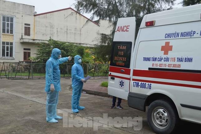 Hơn 100 sinh viên y xung phong ra tuyến đầu, Thái Bình yêu cầu người dân ở nhà 2 tuần ảnh 1