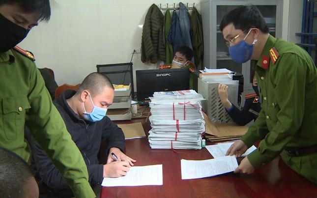 Bắt tạm giam nhân viên nhà xe Thái Bình đánh người, tranh khách ảnh 1