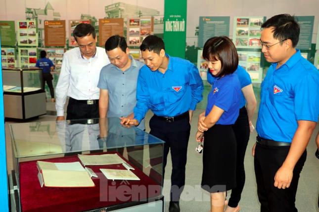 Khánh thành tượng đài Chủ tịch Hồ Chí Minh tại trụ sở Công an tỉnh Nam Định ảnh 4