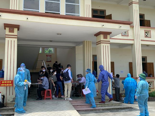 Ninh Bình phát hiện 5 trường hợp dương tính với SARS-CoV-2 về từ Nga ảnh 2