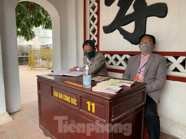 Lần đầu tiên đền Trần vắng nhất trong hơn 30 năm qua, phát ấn theo cách đặc biệt ảnh 18