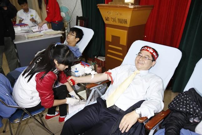 Hơn 8.400 đơn vị máu trong Chủ Nhật Đỏ ảnh 4