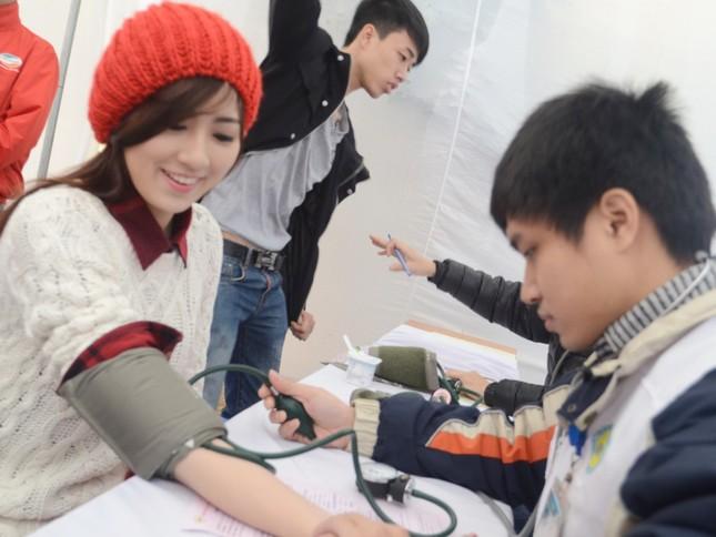 Hơn 8.400 đơn vị máu trong Chủ Nhật Đỏ ảnh 6