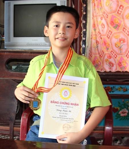 Cậu học trò nghèo giành huy chương Vàng Olympic Toán học ảnh 1