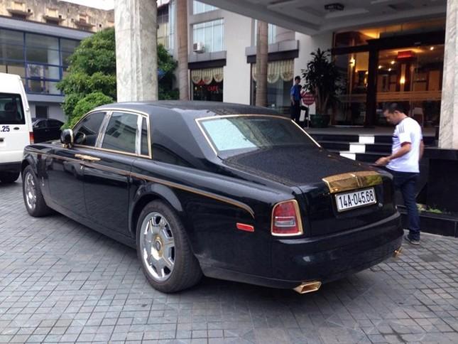 Đại gia sở hữu đôi siêu xe mạ vàng 24K ảnh 9