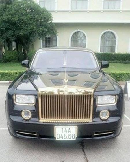 Đại gia sở hữu đôi siêu xe mạ vàng 24K ảnh 10
