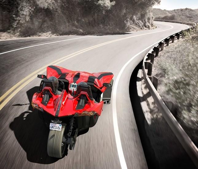 Polaris Slingshot – mô tô 3 bánh kiểu dáng hầm hố ảnh 4
